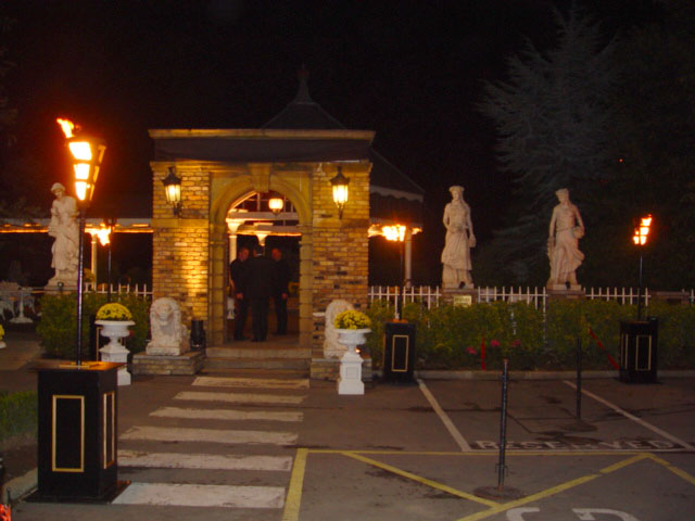 7FT Standard Boxed Flambes for events